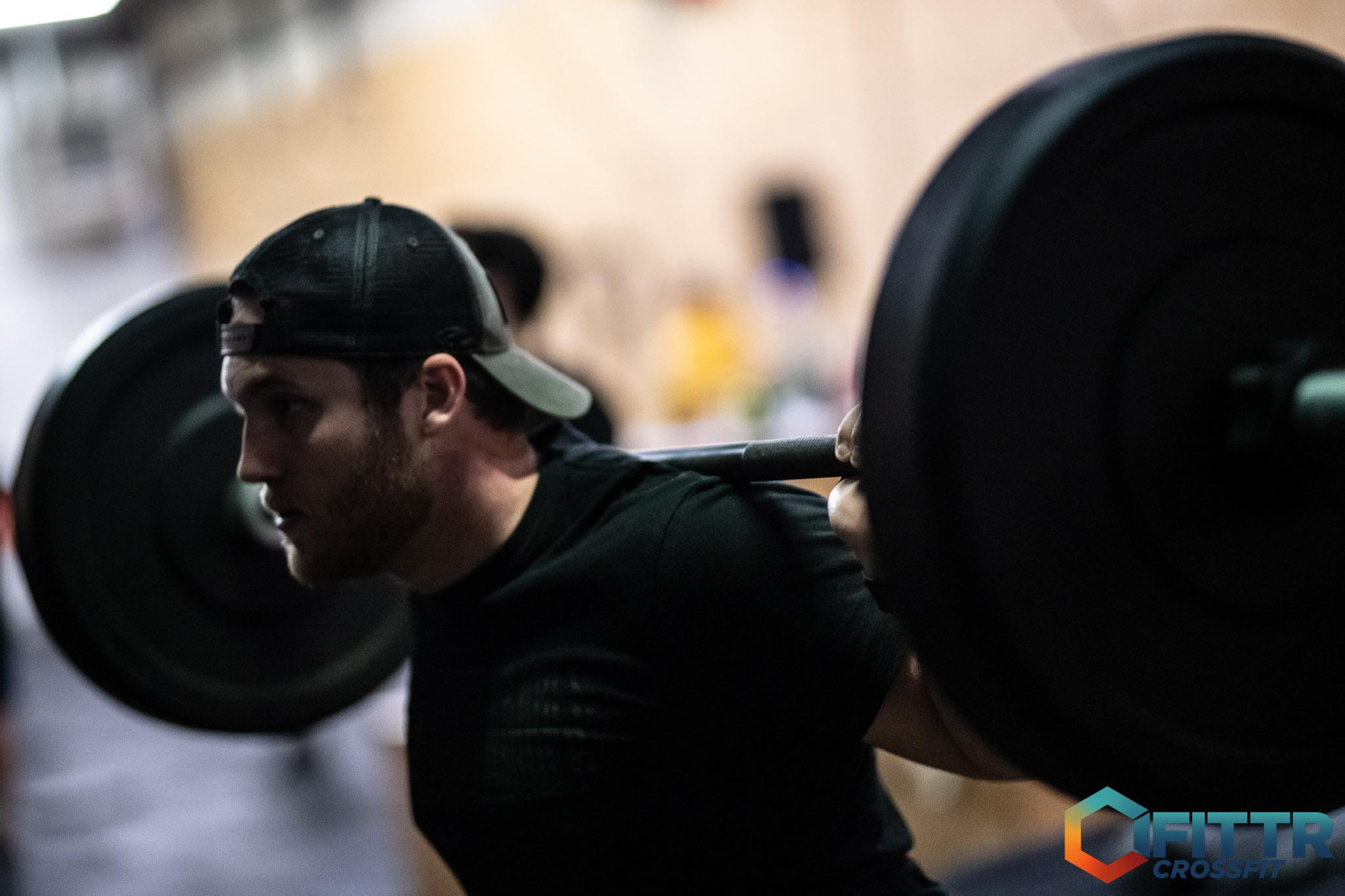 Powerlifting squat CrossFit